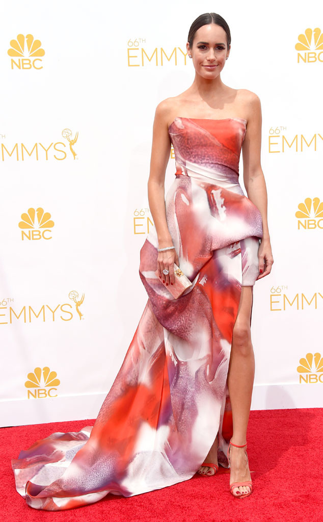 rs_634x1024-140825141704-634.louise-roe-emmy-awards-red-carpet-082514