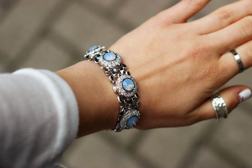 Blue Opal Empire Chain Bracelet spotted on Blogger Amy Spencer | thelittlemagpie.com